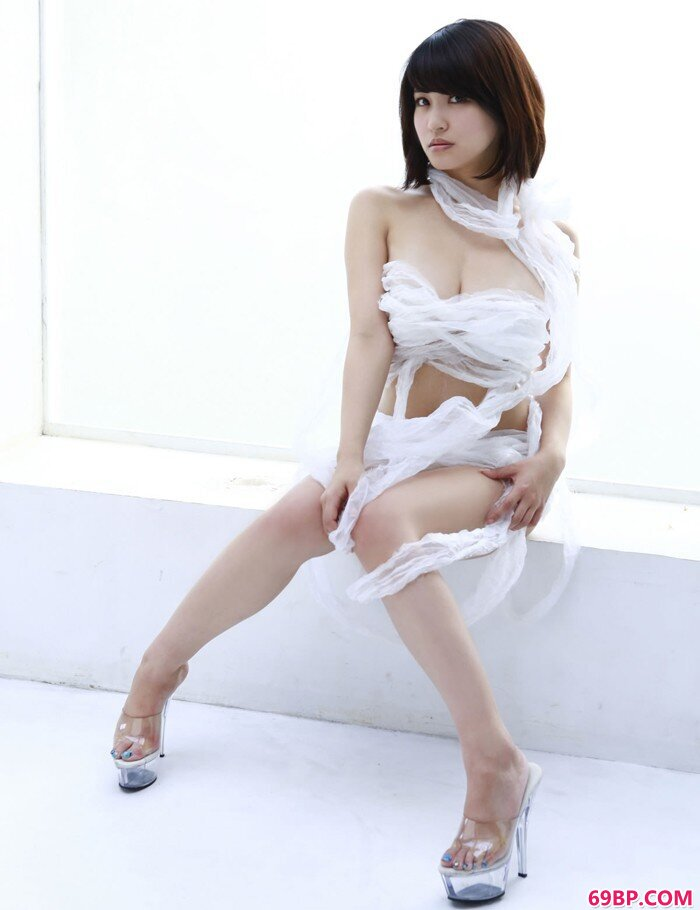 东洋美人岸明日香秀酥胸_美女真实炮轰23p