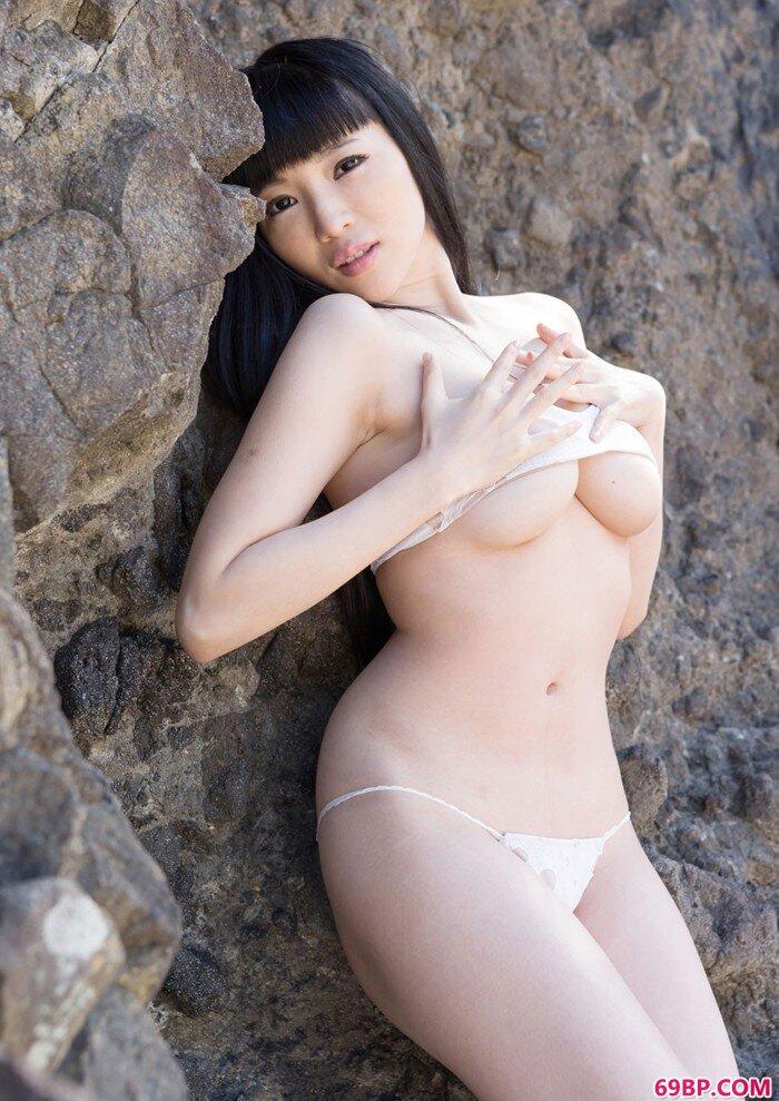 森下悠里海滩泳装秀美乳_16女下面流水不遮图