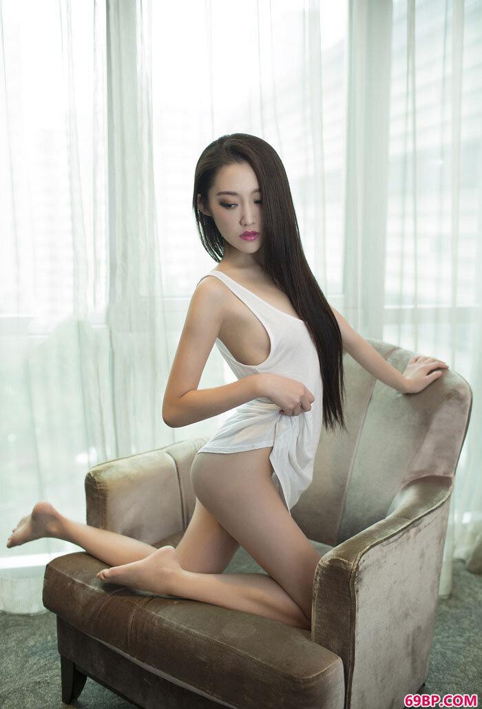 尤果肥臀靓妹张冬妖娆私密摄影_西西人体艺术照片图片