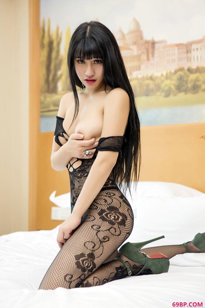 美美妇小雅紧身开口连体袜诱惑十足_freesexvideos性亚洲