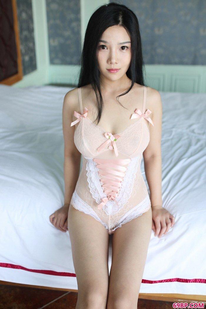 绝色妖精徐微微美胸摇曳看点十足_日本高清色www在线