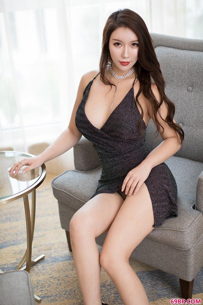 绝色美妇尤妮丝酥胸滑嫩翘臀翘挺_西西人体白灵44ft