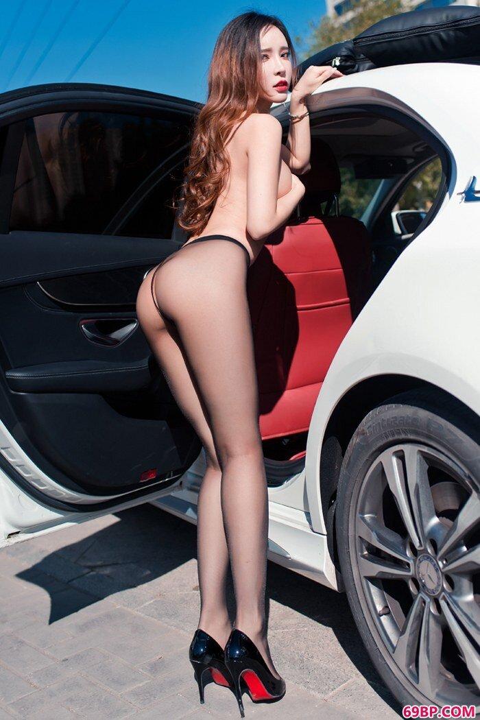 网红车美人艾小青黑丝美腿美胸迷人_性欧美法国极品
