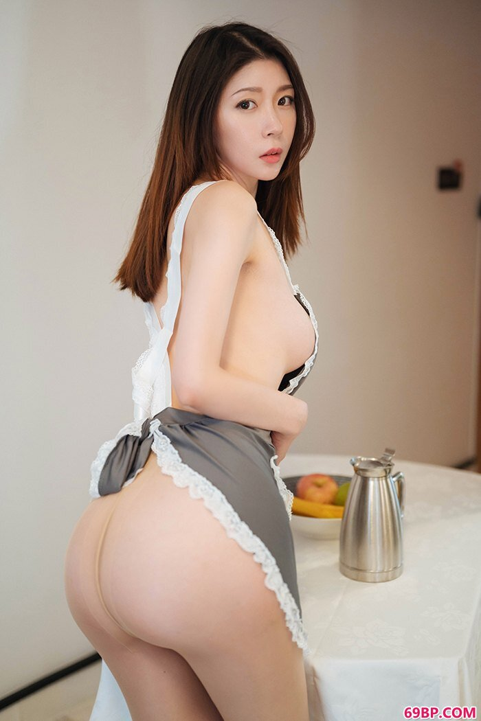 半裸厨娘梦心月完美曲线疯狂暗示_西西人体美女模特大胆艺术图片大全