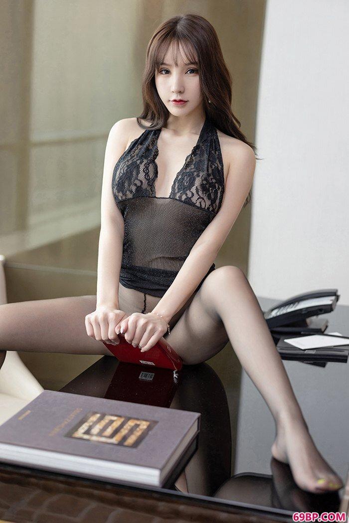 多情秘书周于希带你体验靓妹禁区_西西人体模特专业�z影