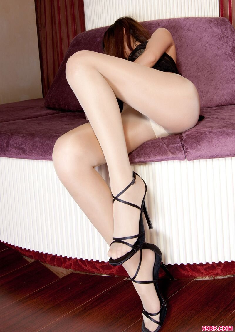美腿裸模第236期Sunny_乌克兰?es在线