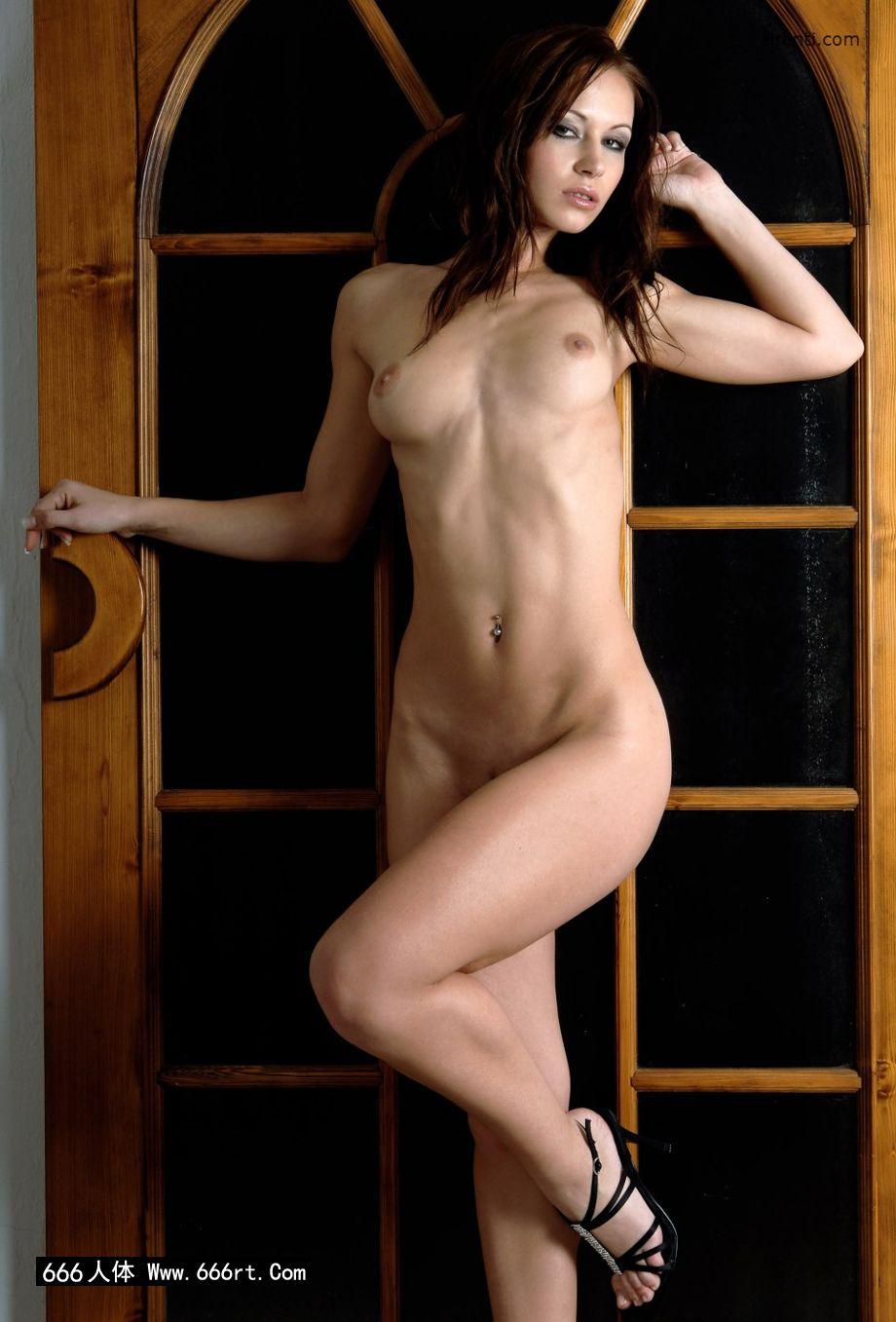 室拍木门下身材超好的名模Gladys_美女丝袜写真