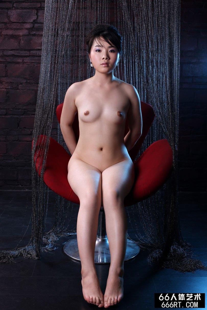 名模莱莱09年2月15日室拍作品上