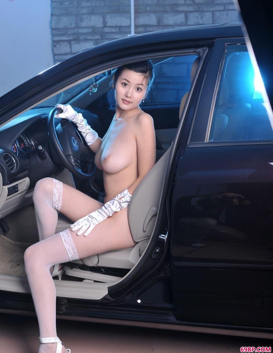 汽车美模丫头爆乳人体,诱惑媚影人体艺术珍藏版