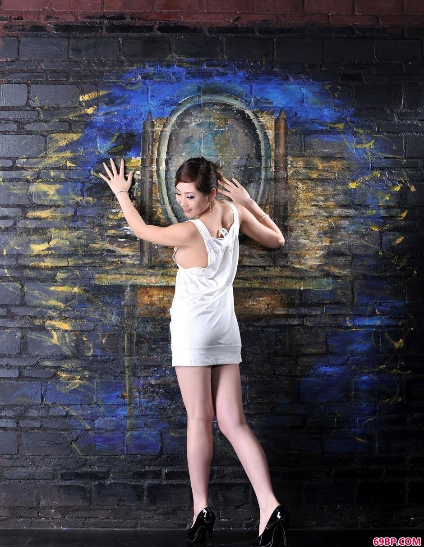 国模孕妇季�h全部人体写真_地下室的靓女柠檬大尺度人体