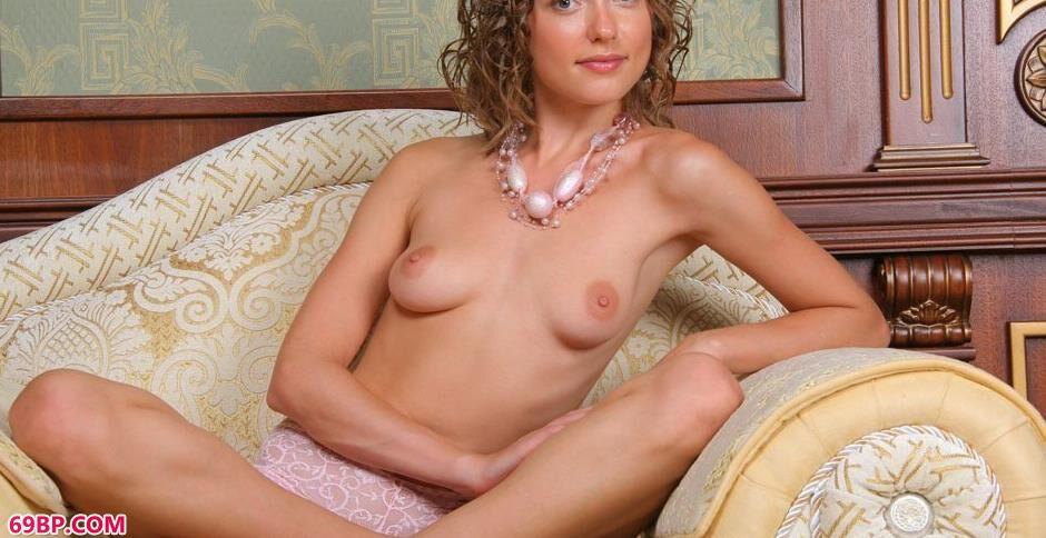 裸模masha沙发上的性感人体2_人体yishu