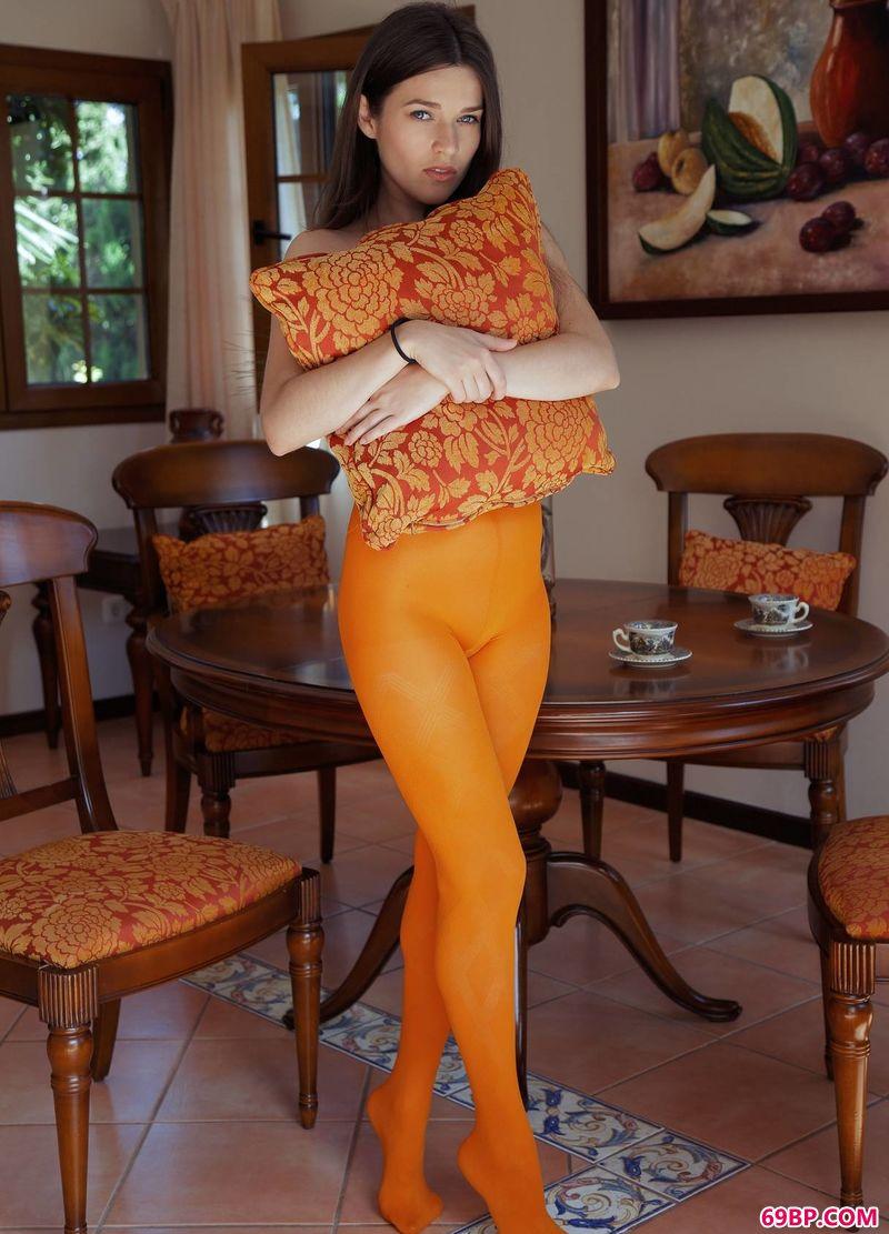 橘色肉丝视觉嫩模Serena