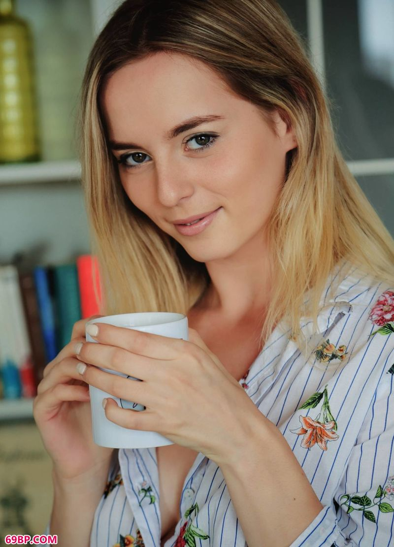 惬意咖啡妹子Jillean