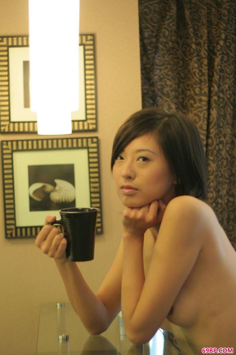 自然光图片gogo嫩模妍妍,最新人体艺术论坛