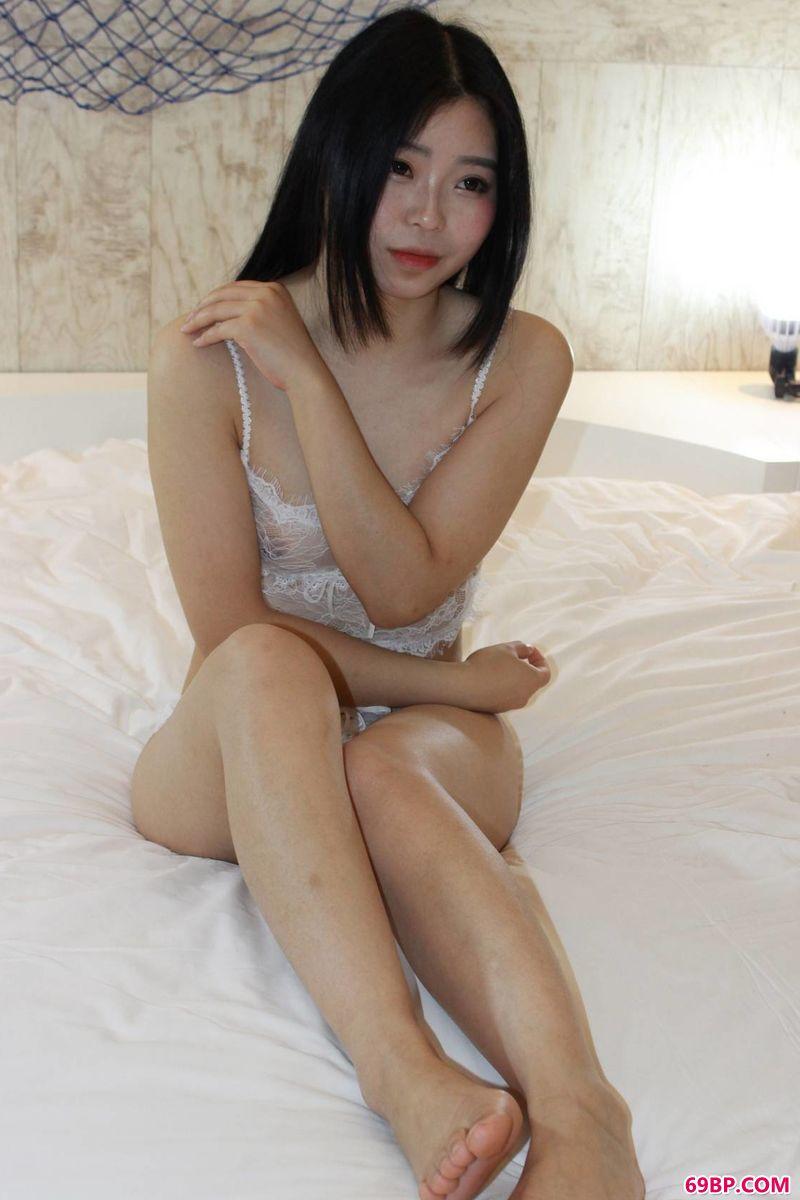 妍菲酒店人体习作_美女裸体艺术